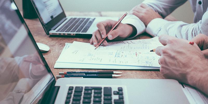 francuski w pracy i biurze podstawowe zwroty słownictwo w języku francuskim biznesowym